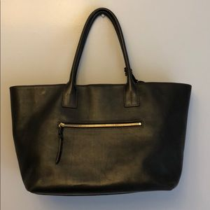 Large black leather tote bag (Dooney & Bourke)